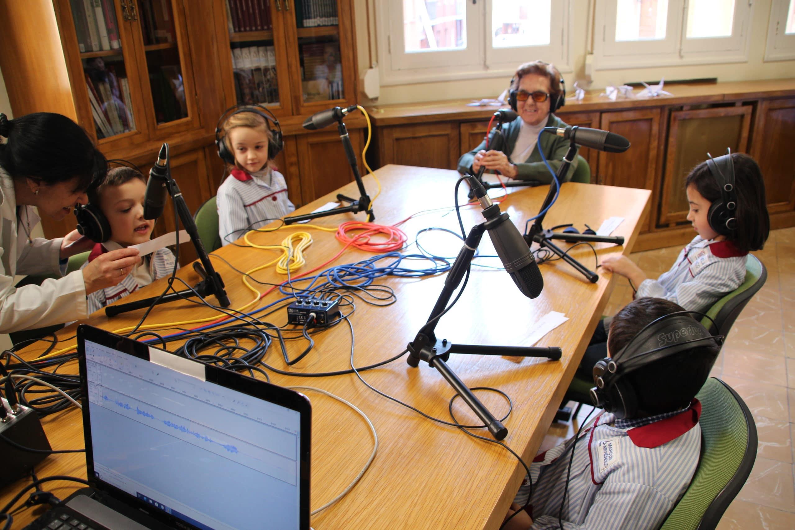 Entrevista a la Madre Loreto por los alumnos de Educación Infantil