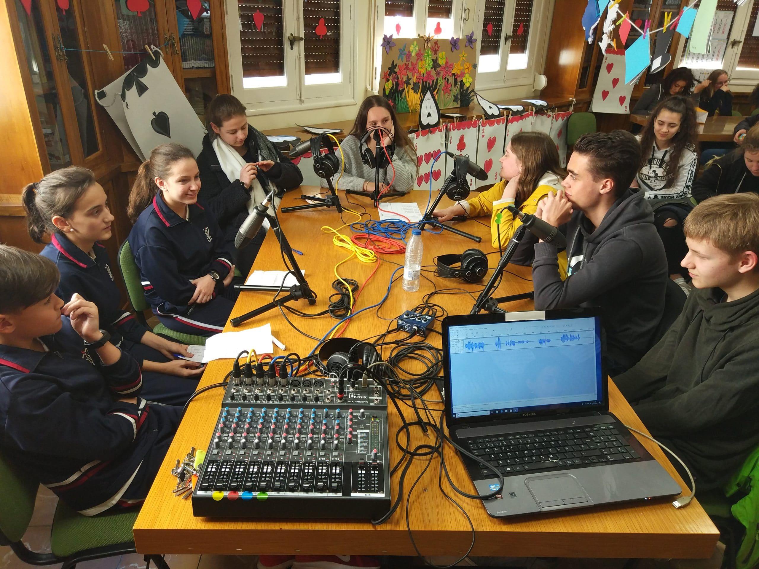 Entrevista de los alumnos de 1º de ESO a los alumnos del Carl Von Ossietzky Gymnasium de Bonn (Alemania).