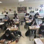 Taller sobre la celiaquía de los alumnos de 1º de bachillerato del Colegio Blanca de Castilla de Palencia