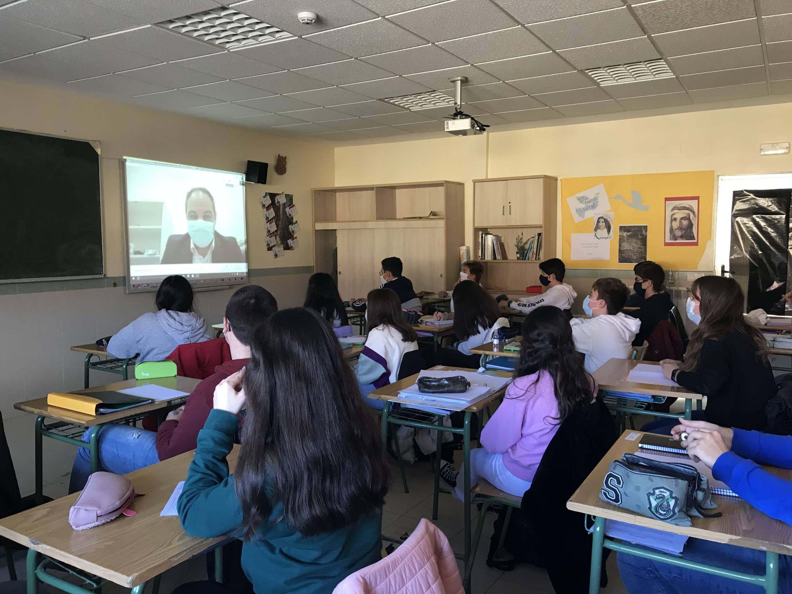 Videoconferencia sobre los dientes en 3º ESO del Colegio Blanca de Castilla de Palencia
