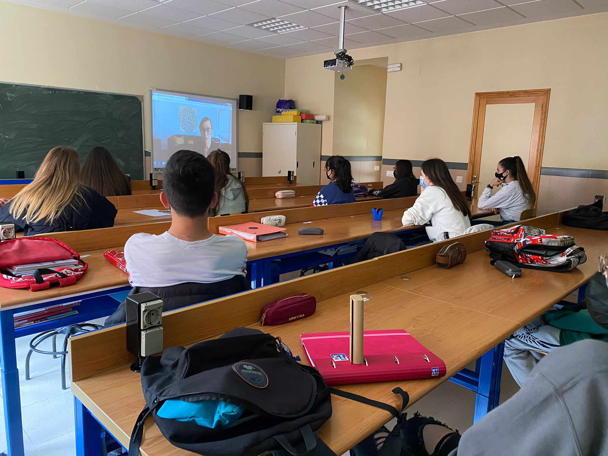 """Alumnos de 4º de la ESO del Colegio Filipense Blanca de Castilla participan en el programa """"Empresa familiar de Castilla y León""""."""