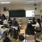 Los alumnos de 2º de bachillerato del Colegio Blanca de Castilla de Palencia reciben una charla sobre fermentaciones del antiguo alumno Alejandro Acosta.